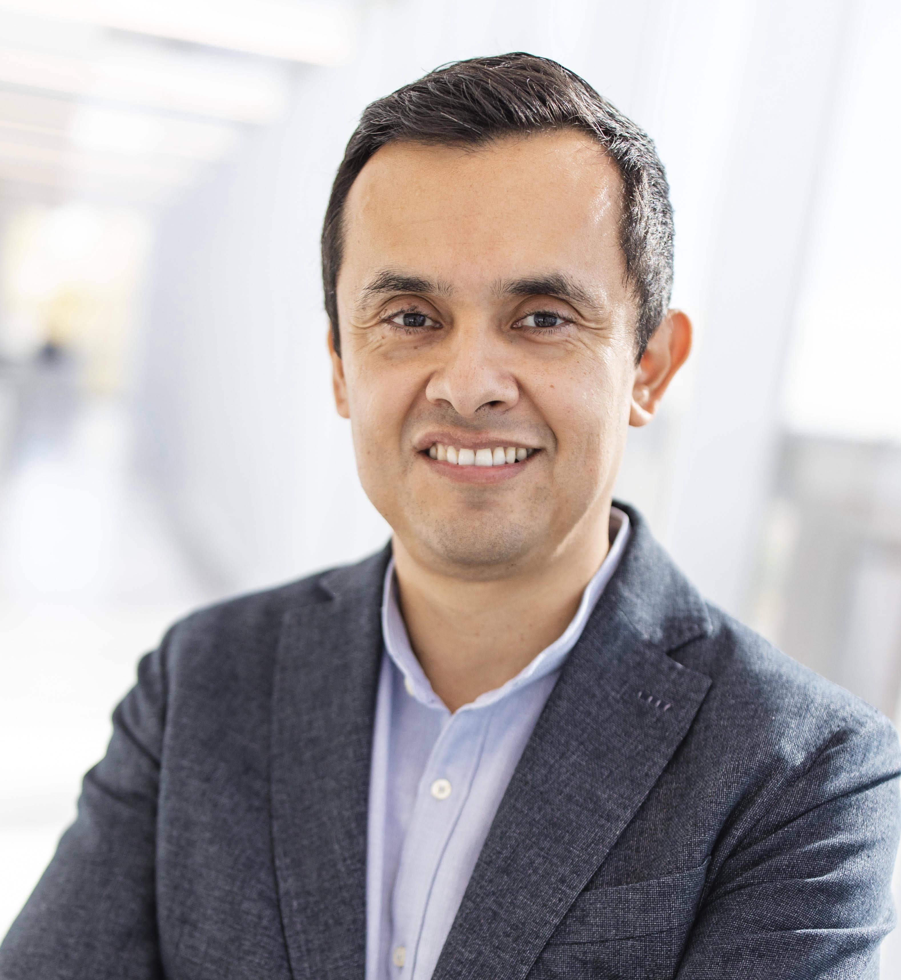 Professor Manuel Morales